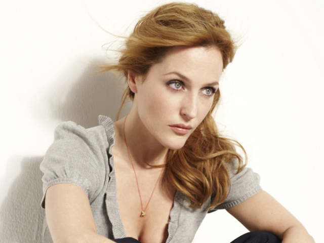 Quieren a Gillian Anderson como protagonista para James Bond