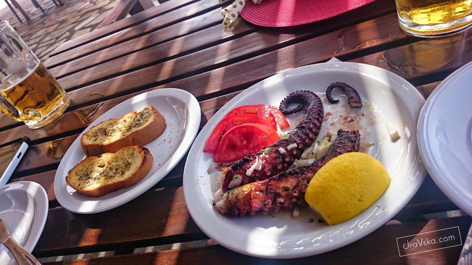 GRECJA - jedzenie, jedzenie i jeszcze raz jedzenie! Kuchnia grecka, czyli gdzie warto coś wciągnąć.
