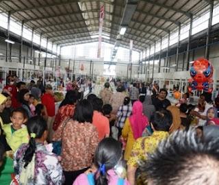 Mandra P Shakti Meresmikan Pasar Bersih Di Karawang, Mandra P Shakti
