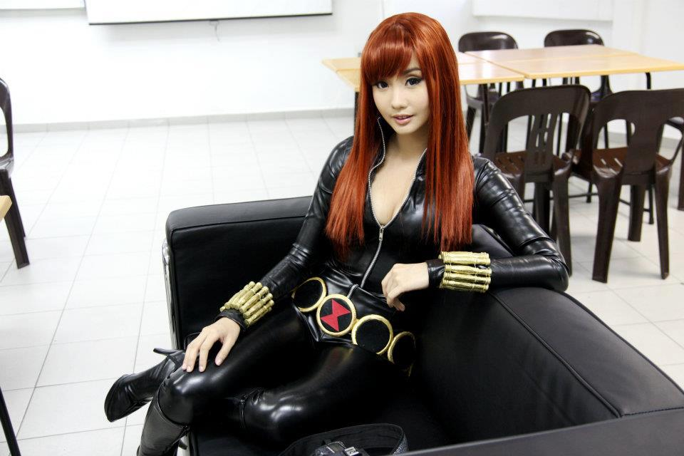 alodia gosiengfiao boob cleavage pics 03