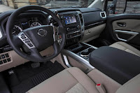 Nissan Titan King Cab 4x4 (2017) Dashboard