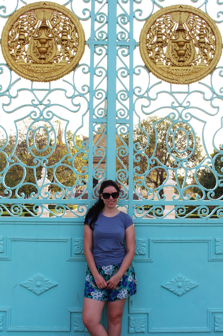 Style blogger at the Royal Palace, Phnom Penh, Cambodia - travel blog