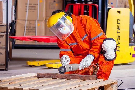 El perfil de víctima de accidente laboral es el de hombre de mediana edad recién incorporado a la empresa y durante las primeras horas de la jornada