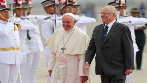 Papa Francisco ya está en Perú para visita oficial