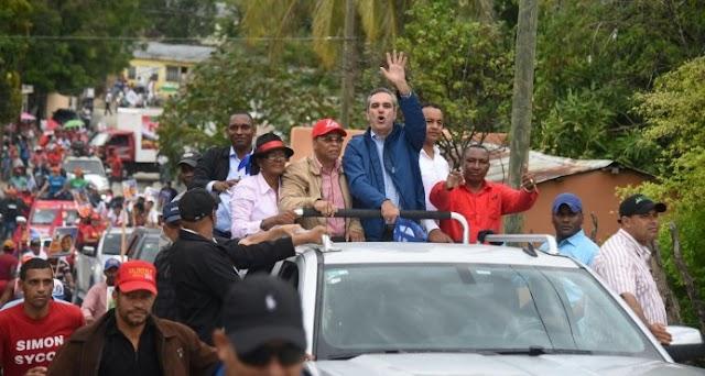 Abinader finaliza recorrido Las Matas de Farfan y San Juan