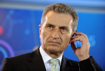 http://www.spiegel.de/politik/ausland/populisten-in-italien-kommentar-zu-oettingers-interview-a-1210209.html