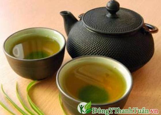 Chữa bệnh nóng trong người bằng nước trà xanh