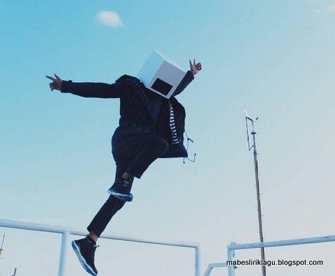 Mr. HeadBox - Young