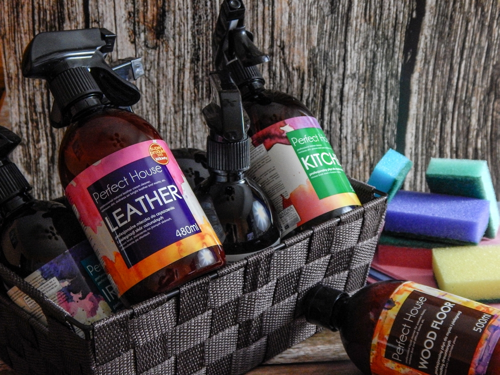 3 barwa perfect house kosmetyki do pielęgnacji domu porady na wiosenne porządki perfumowana woda do prasowania recenzja melodylaniella płyn do mycia podłóg specyfiki do mebli do czyszczenia do sprzątania skóry