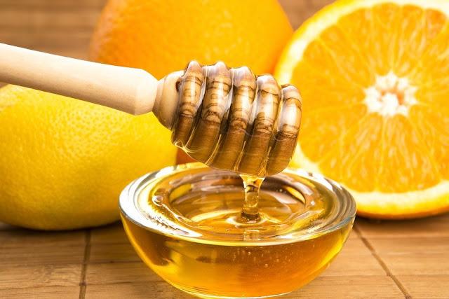 خلطات الليمون السريعة لتفتيح الركب والمرافق الداكنة