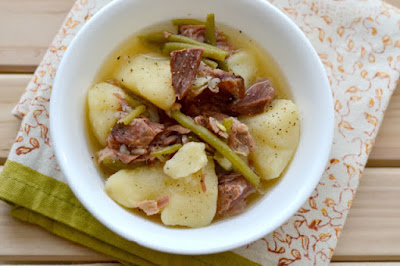 SLOW COOKER HAM, GREEN BEANS, AND POTATOES