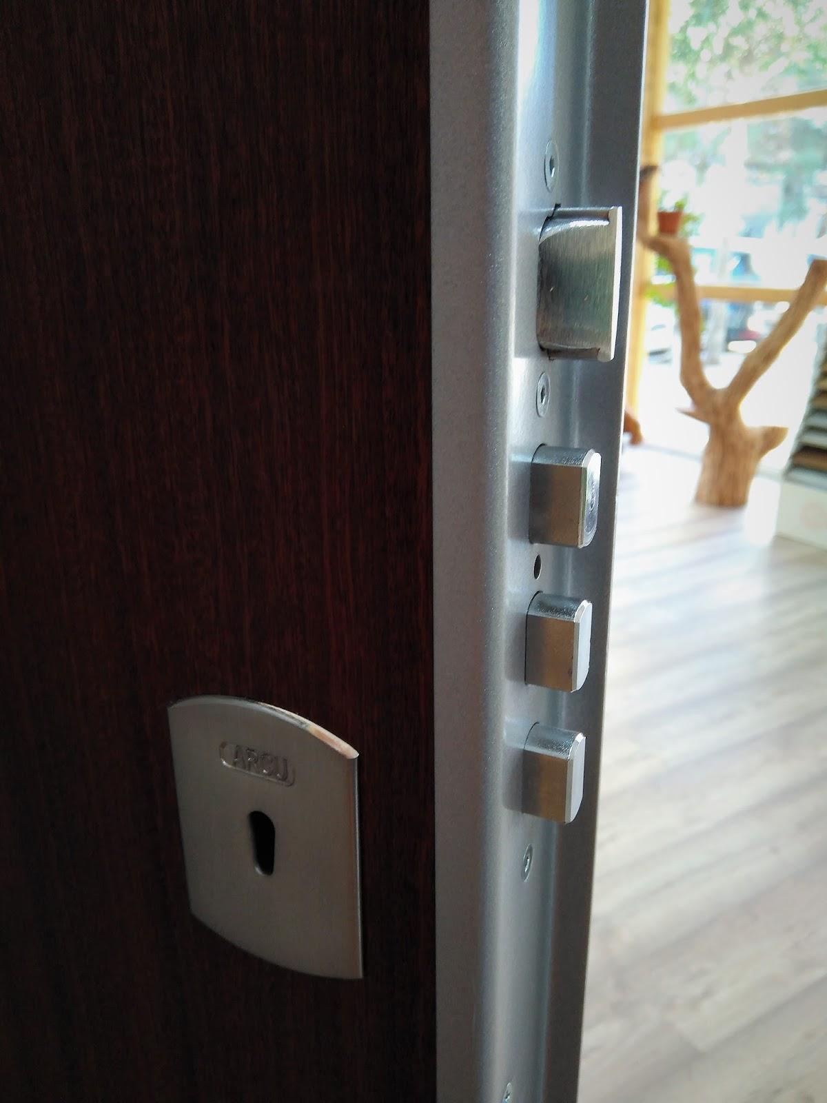 Rc fuster puertas en rub carpinter a puertas for Puertas blindadas economicas
