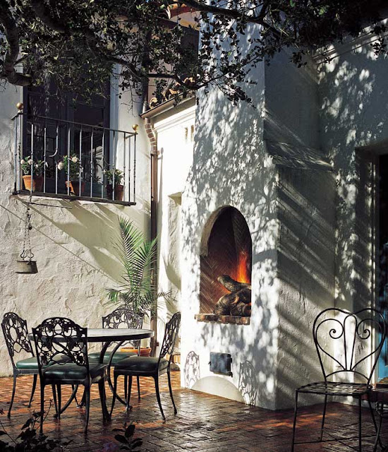 Patio, Montecito Spanish Colonial by Architect Thomas Bollay image via old house online dot com as seen on linenandlavender.net. post:  http://www.linenandlavender.net/2013/05/where-i-went-today.html