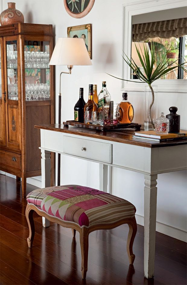 Decora o aparador bar jeito de casa blog de decora o e arquitetura - Como decorar un bar pequeno ...