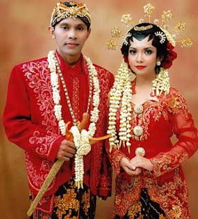 Gambar Pakaian Adat Pengantin Jawa Barat
