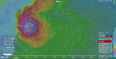 Cyclone vardah nearing Chennai