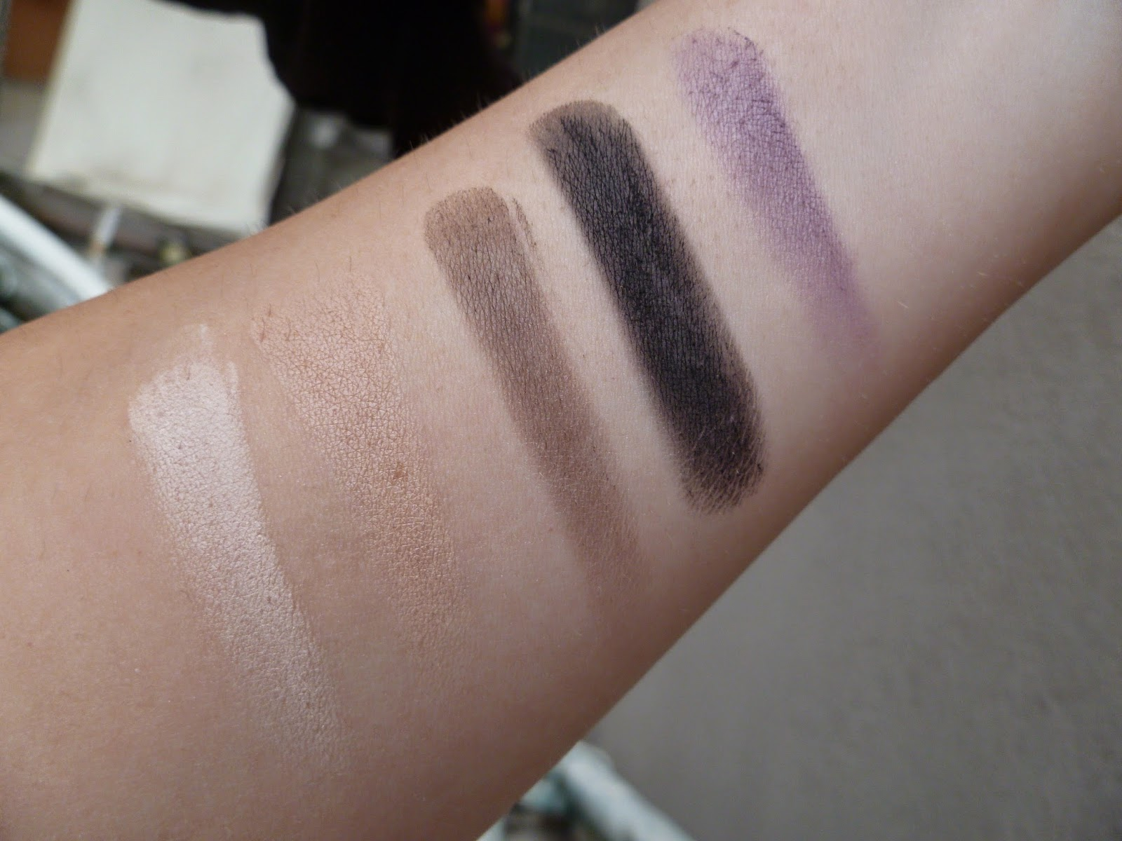 swatch hot smoked makeuprevolution