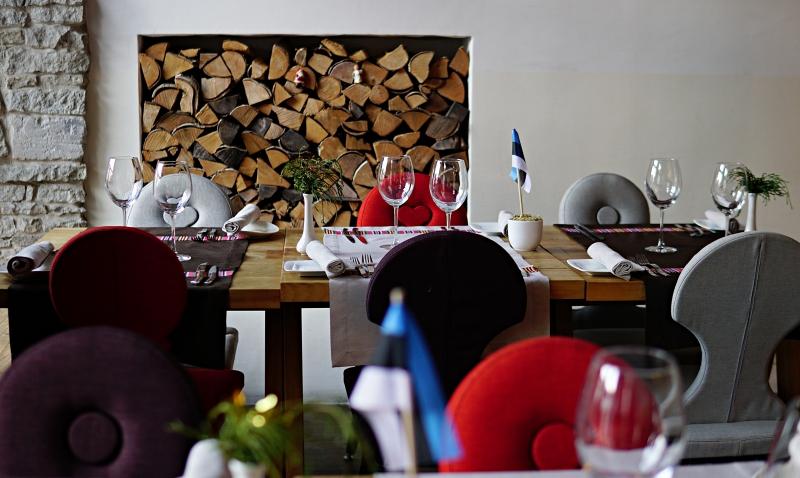 ravintola_kaerajaan, Ravintola_tallinna, moderni_ravintola_tallinna