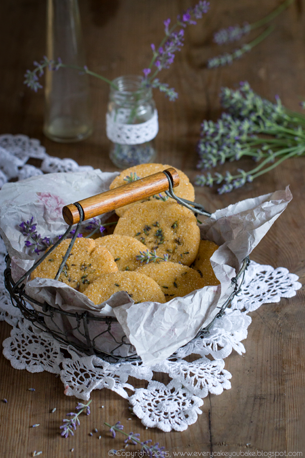 cukrowe ciastka z miodem i lawendą