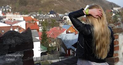 http://szmaragdowy-deszcz.blogspot.com/2016/04/poradnik-blondynki-jak-poprawnie.html