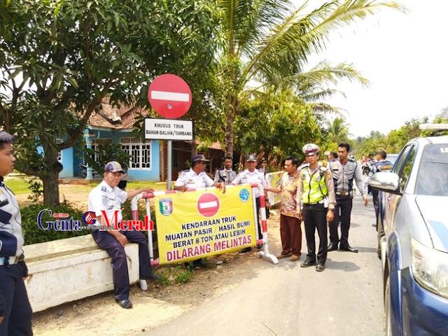 Dumptruck Rusak Jalan Desa, Satlantas Tanggamus Beri Teguran Keras