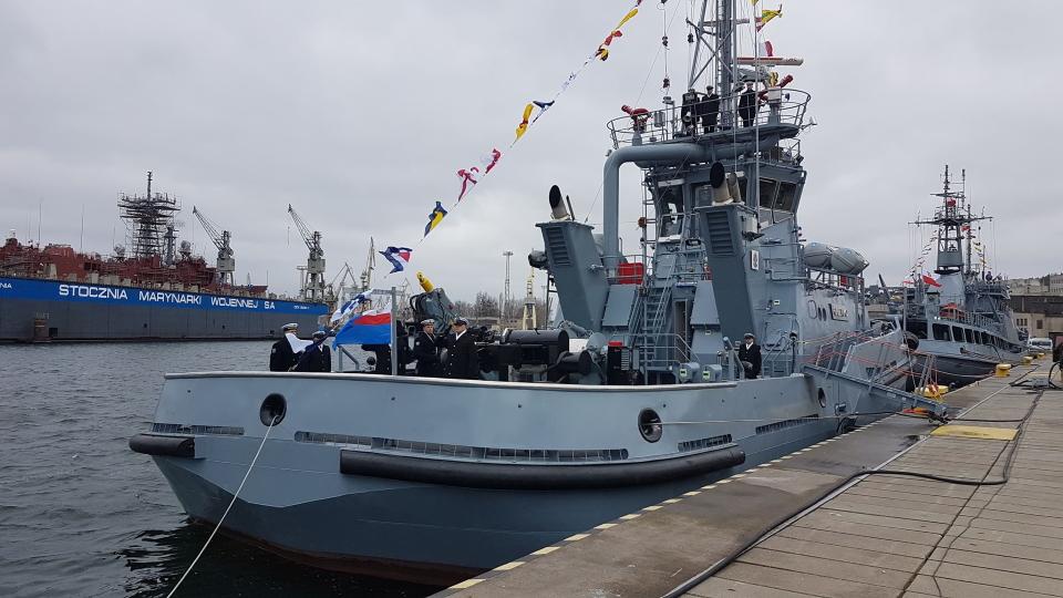ВМС Польщі отримали другий з шести буксирів B860