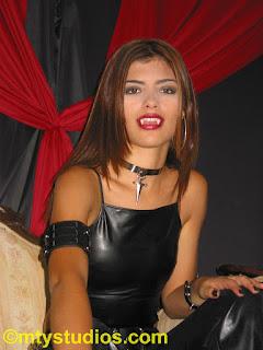 http://www.vampirebeauties.com/2018/04/truetere-vampire-queen-gallary.html