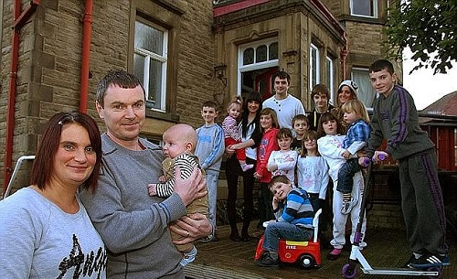 Britain's Largest Family To Have Their 20th Child In September