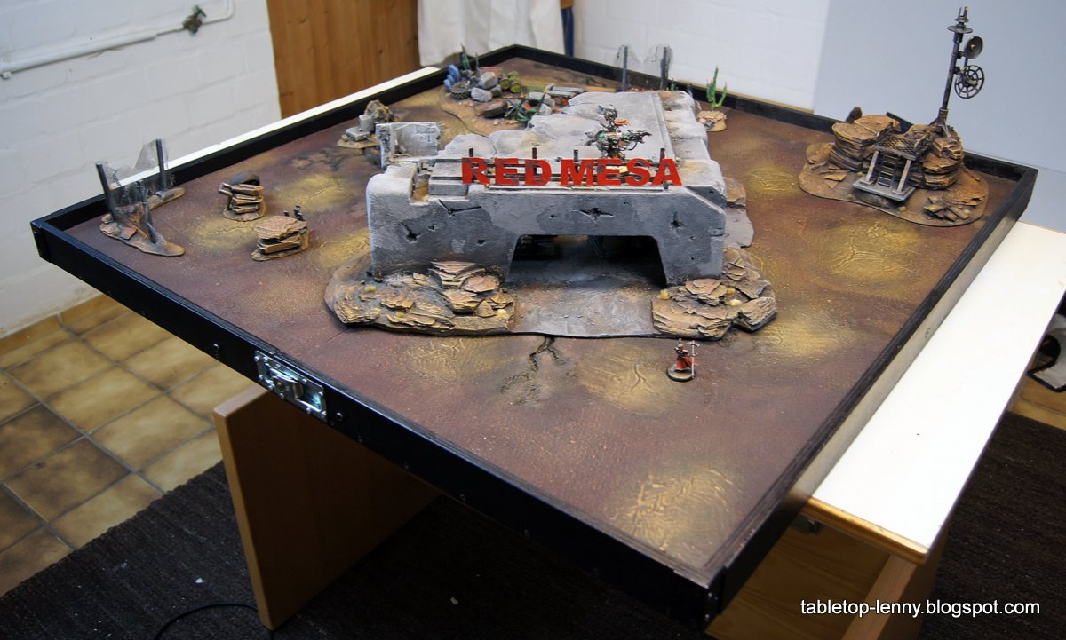 Tabletop Lenny Wargaming Terrain Foldable Gaming Table