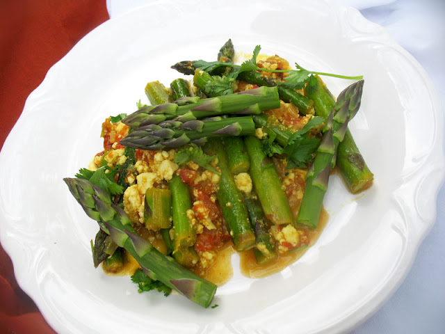 asparagus with paneer cheese
