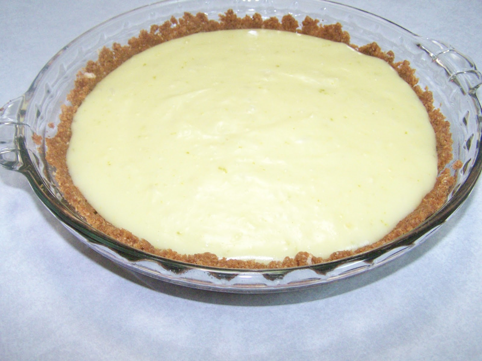 This Healthy Gluten Free Key Lime Pie Recipe is made with agave and stevia and so good you won't believe it's skinny