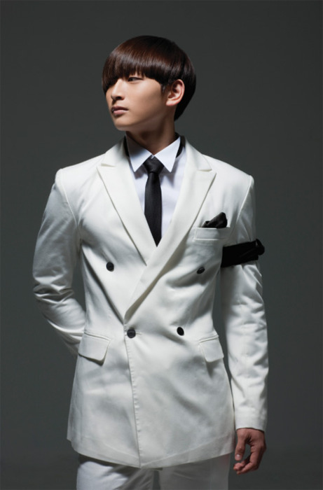 K-POP: Jinwoon - Saint o'clock (Photoshoot)
