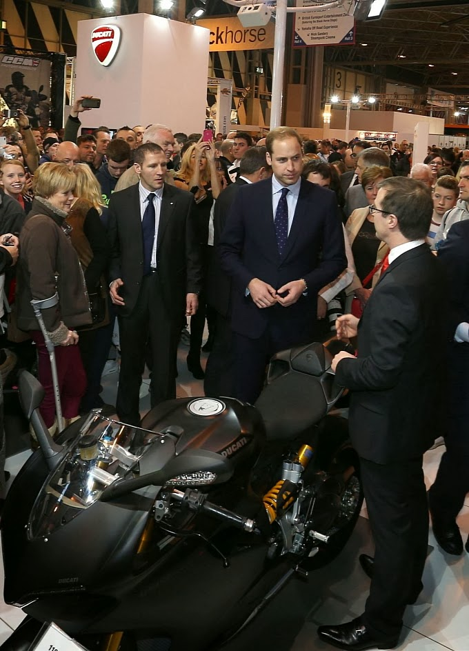 http://motorcyclesky.blogspot.com/images/news/gallery/is-hrh-prince-william-getting-a-ducati-1199-superleggera-photo-gallery_7.jpg?1385980417