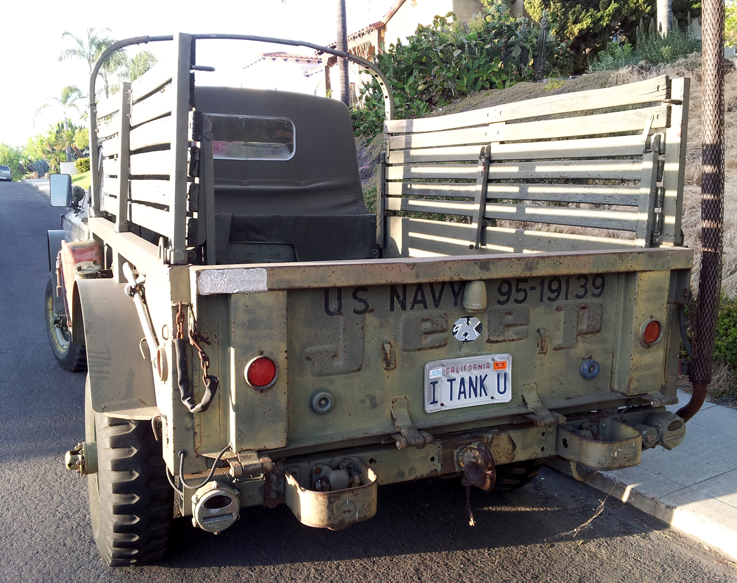 Just A Car Guy: I tank U ... a cool old military Jeep truck