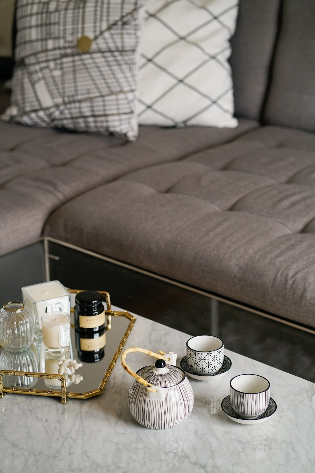 Living room update marmor gold details fashion equals for Couchtisch zara