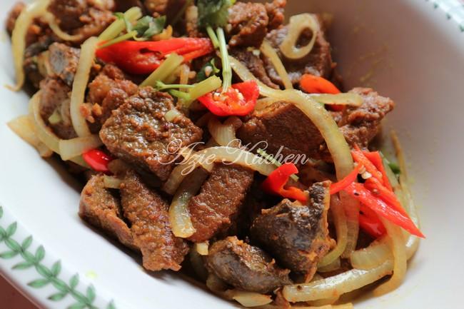Daging Goreng Garam Kunyit Paling Sedap Hingga Rasa Nak Nangees Azie Kitchen
