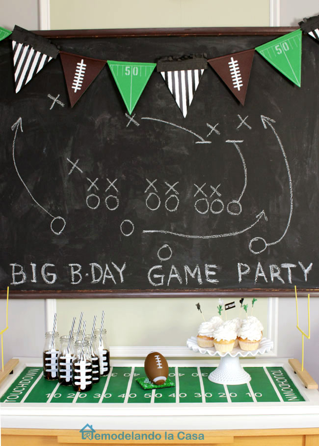 Touchdown Football tray with Field goals for party