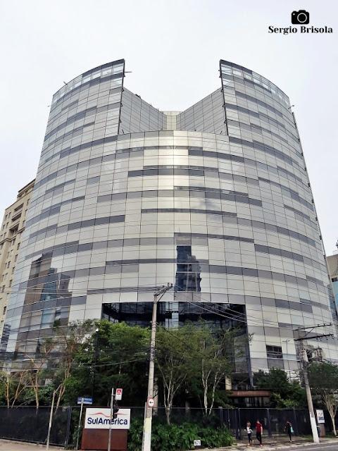 Vista ampla do Edifício SulAmérica Saúde - Pinheiros - São Paulo