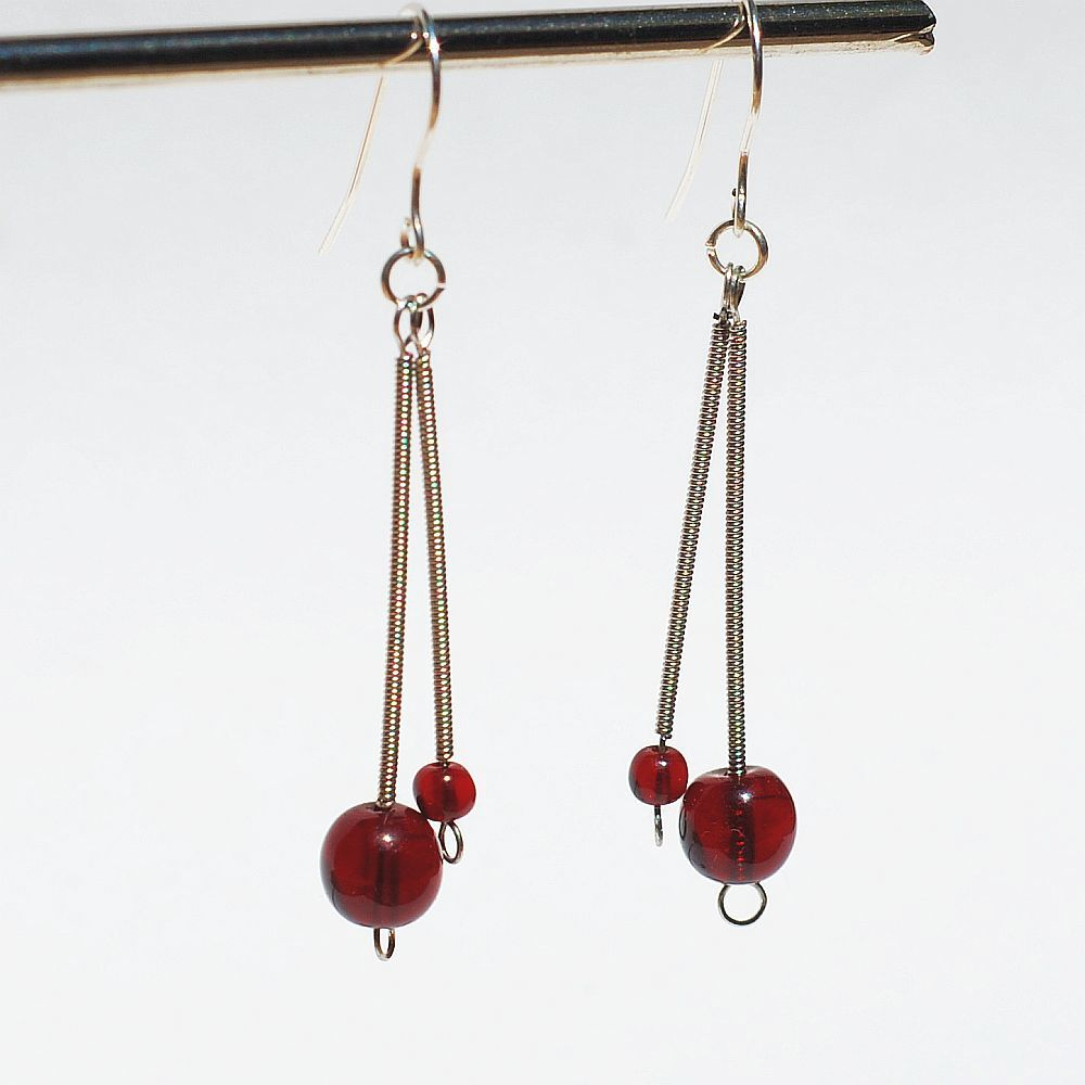 guitar string jewelry by tanith rohe guitar string jewelry garnet red drop earrings. Black Bedroom Furniture Sets. Home Design Ideas