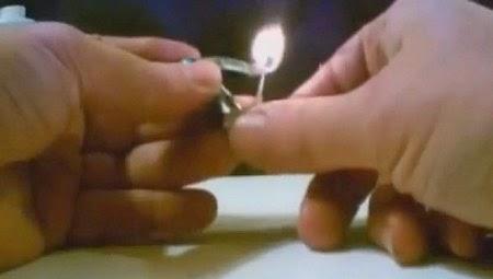 Зажигалка для выживания, зажигалка своими руками, самодельные зажигалки видео, зажигалка своими руками, как сделать самодельную зажигалку, способы добыть огонь, видео как добыть огонь, как добыть огонь без спичек