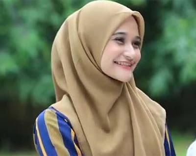 Rita Apriell pemeran Gita TOP Tukang Ojek Pengkolan