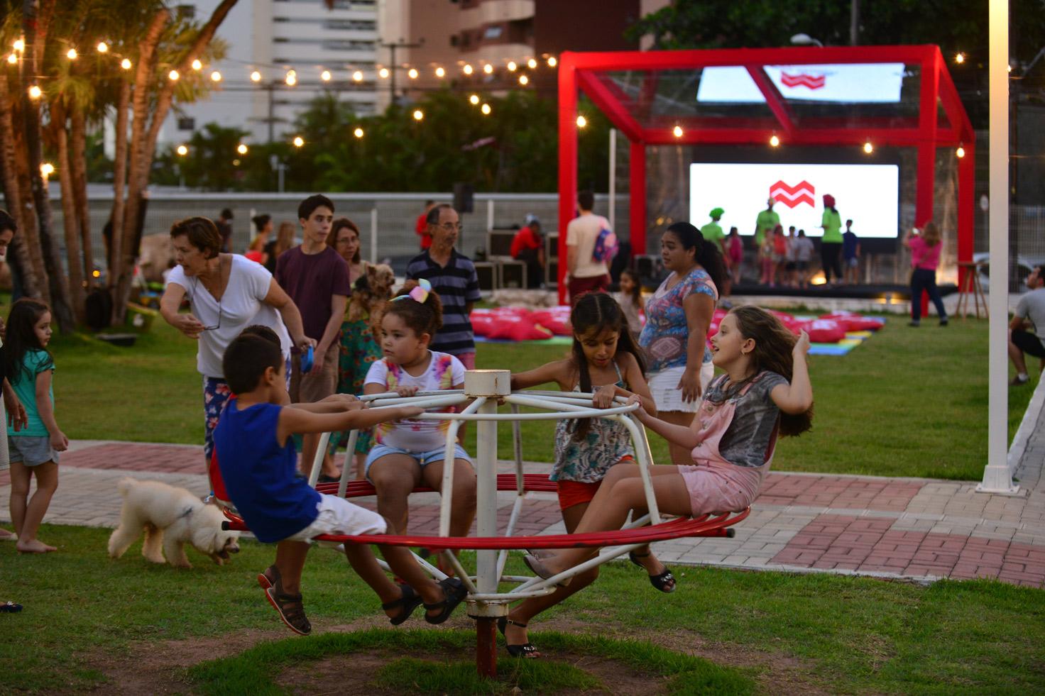 5775136083c08 Praça Canuto 1000 promove Dia dos Pais