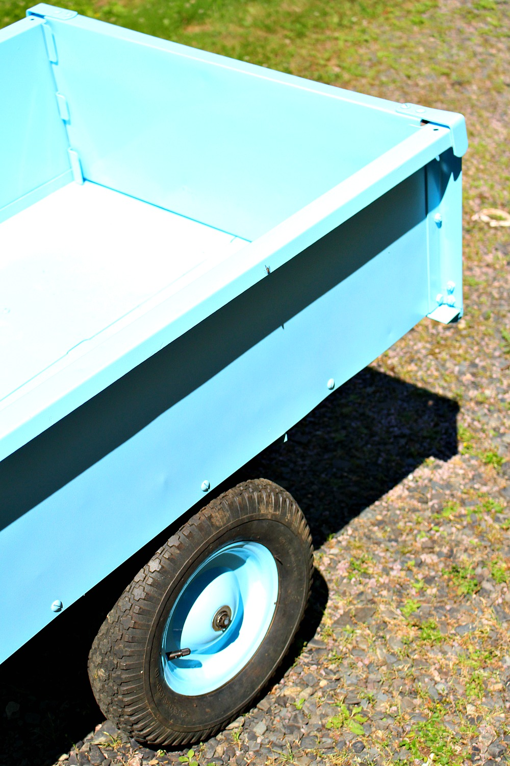 DIY Blue Utility Trailer Makeover