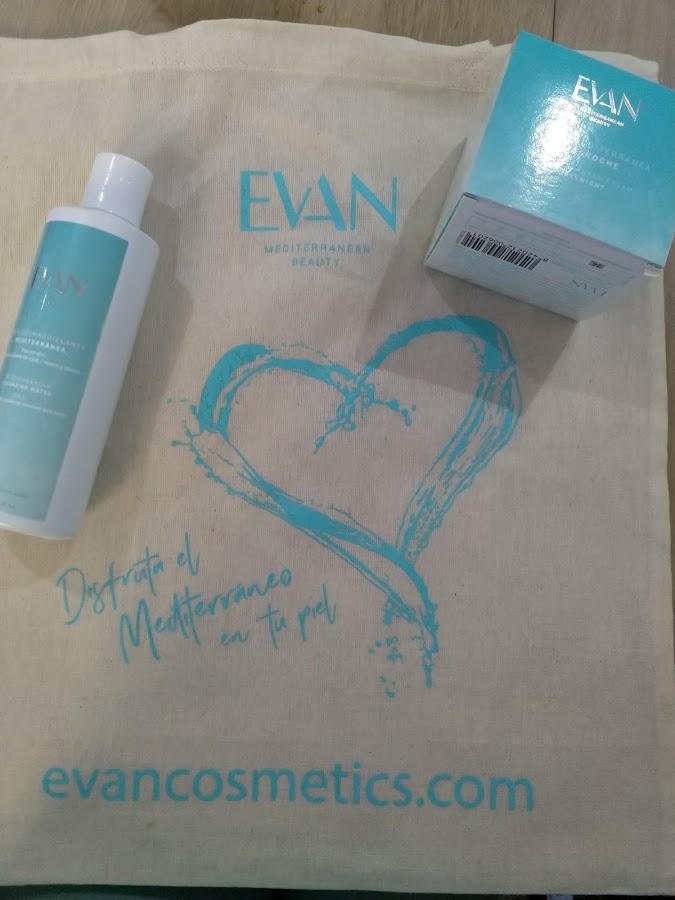 agua desmaquillante y crema Evan Cosmetics