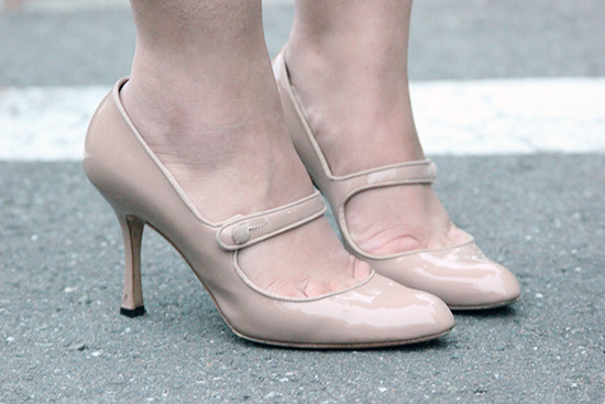 Manolo Blahnik Campy Mary Jane Nude Heels
