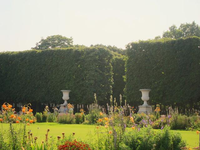 Krukor i Jardin des Tulieries