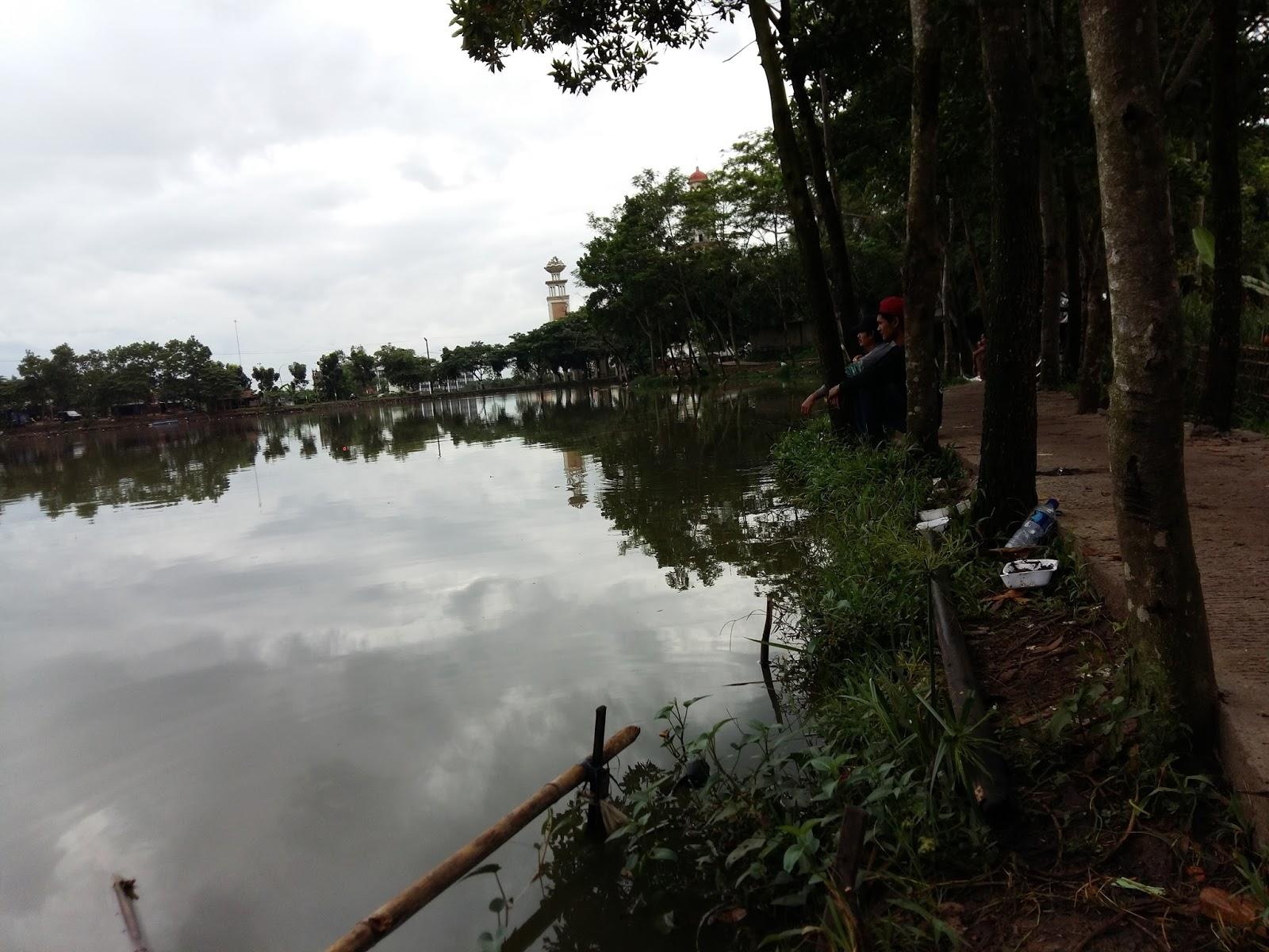 Mancing liar Danau Rawa Binong Delta Mas Cikarang ...
