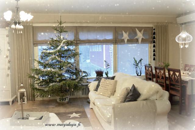 joulu koti ektorp joulukuusi