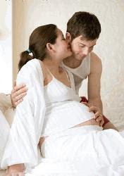 5 Posisi dan Gaya Bercinta (Seks) Saat Hamil yang Aman