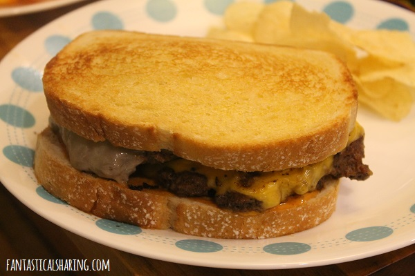 Steak 'n Shake Frisco Patty Melts #recipe #copycat #maindish #burger #pattymelt #steaknshake #friscopattymelt
